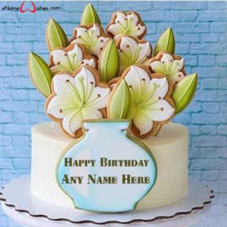 Beautiful-Flower-Vase-Birthday-Name-Cake