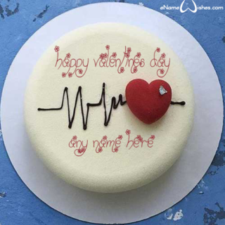 Cute-Valentines-Day-Heart-Cake-with-Name
