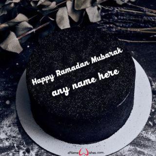 happy-ramadan--cake-with-name
